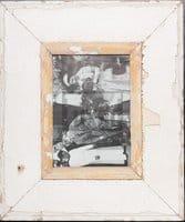 Vintage-Bilderrahmen mit breitem Holzrand von der Luna Design Company