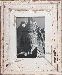 Vintage-Bilderrahmen mit breitem Holzrand für ca. 23 x 32 cm Bildformat