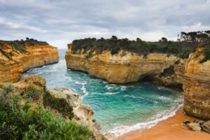 Loch Ard Gorge on great ocean road holiday