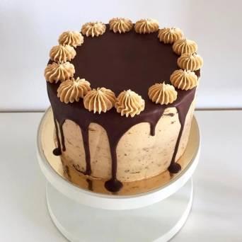 torty czekoladowy z masłem orzechowym