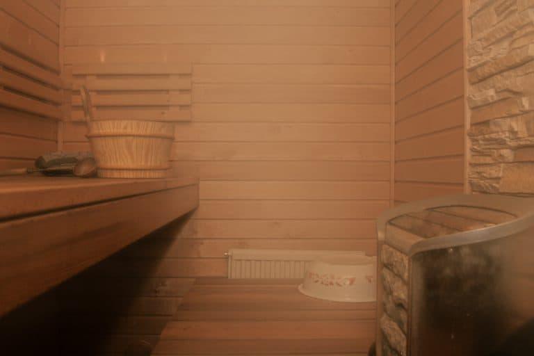 elektrischer Saunaofen - Sauna mit Dampf, Eimer und Kelle