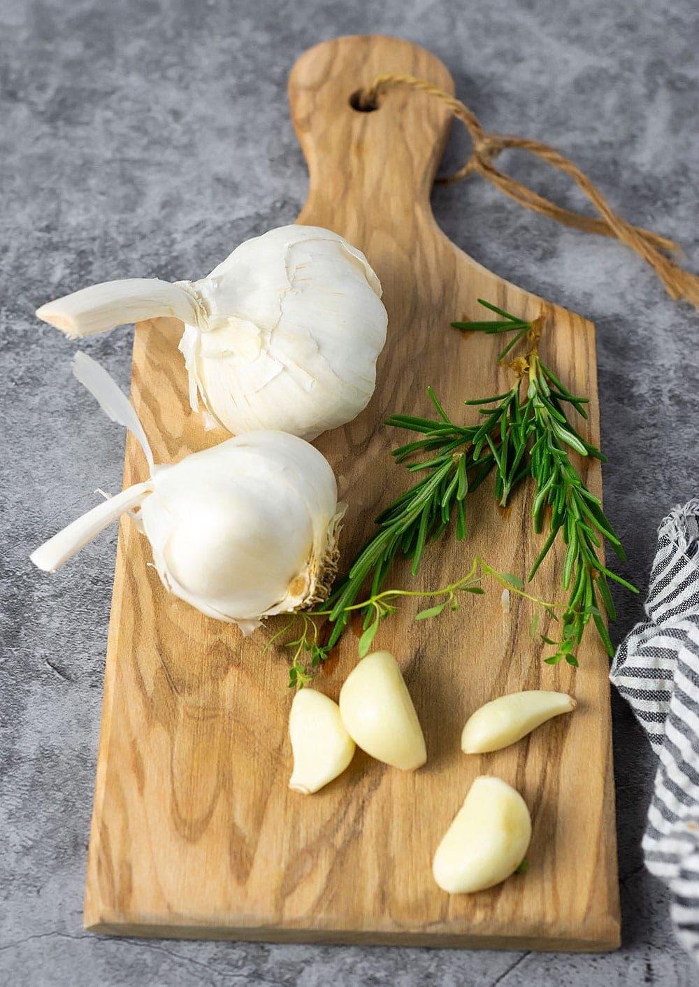 Garlic confit ingredients