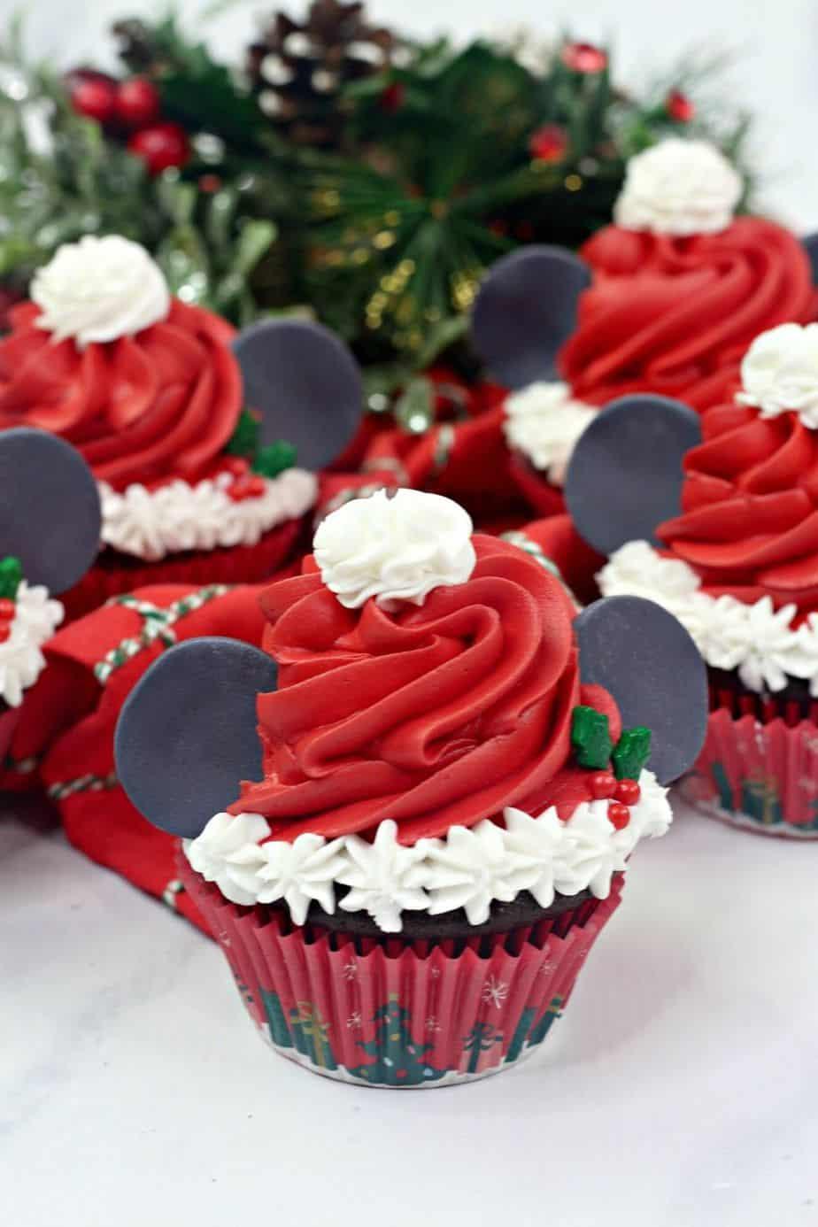 Mickey Mouse Santa Cupcakes The Farm Girl Gabs