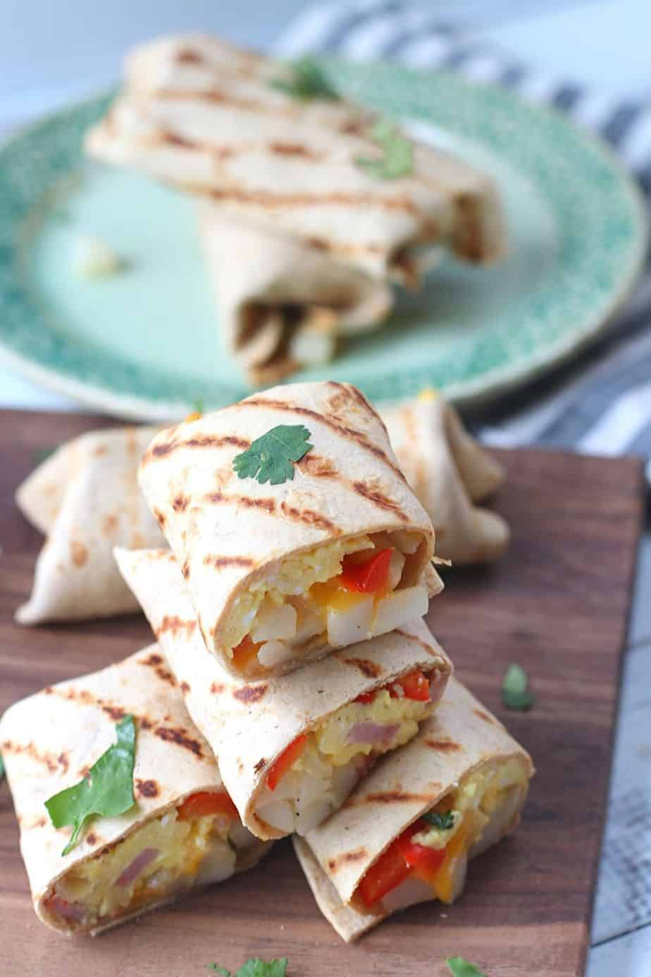 These Tasty Loaded Breakfast Burritos are a delicious make-ahead freezer meal your family will love. The Mission®Protein Tortilla Wraps add a delicious protein boost.#ad #MissionFoods #MissionProteinTortillas