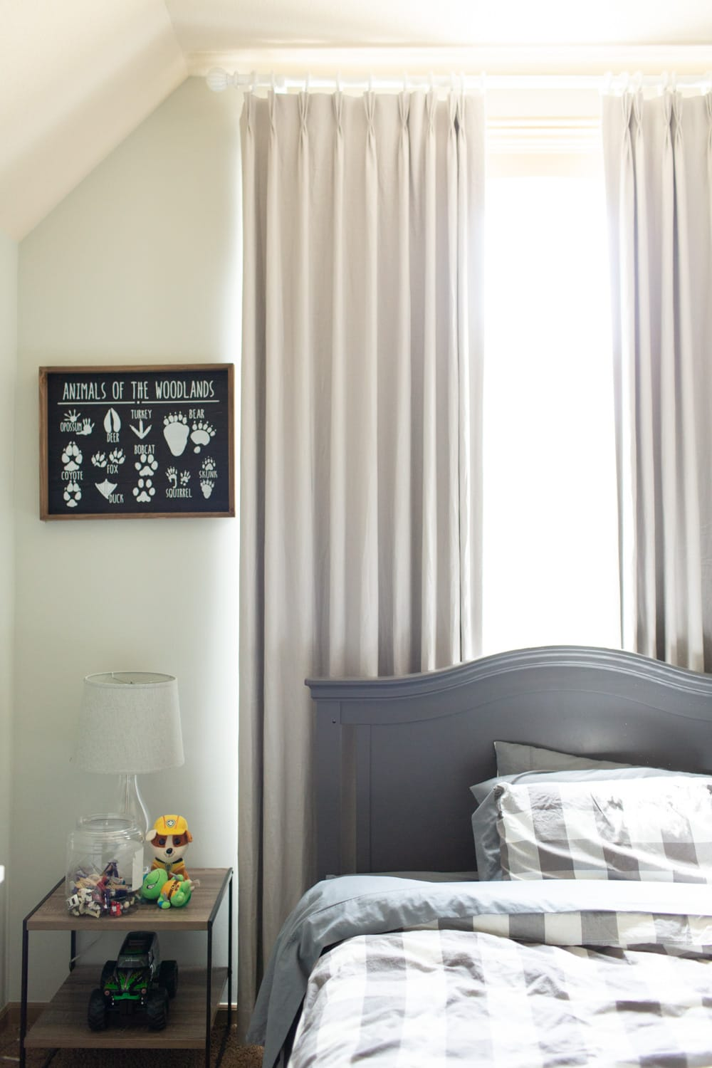 Benjamin Moore Gray Owl in nursery and bedroom against curtains