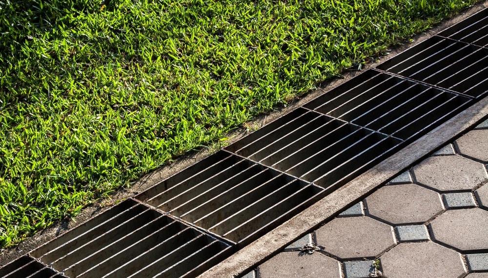 Отводим грунтовые воды от дома: дренаж и его устройство