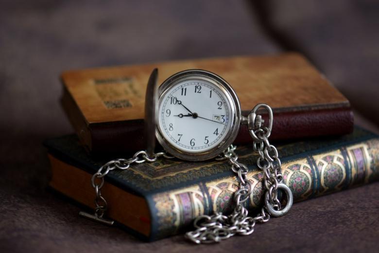 книги часы