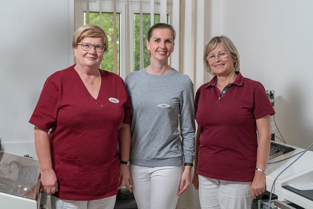 Dr. Doberenz, Kirchner, Berndt im HNO-Untersuchungszimmer
