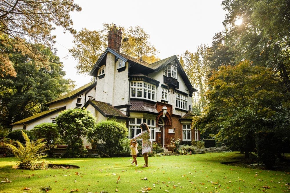 lovely worsley woodland home