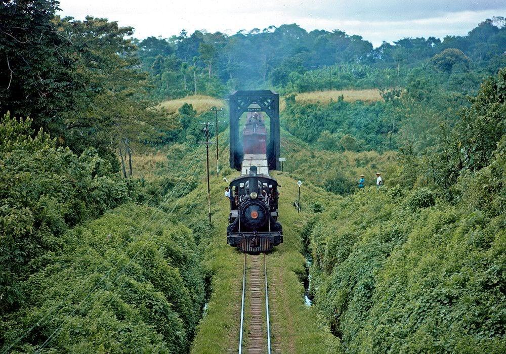 El ferrocarril en tierras de Muluá