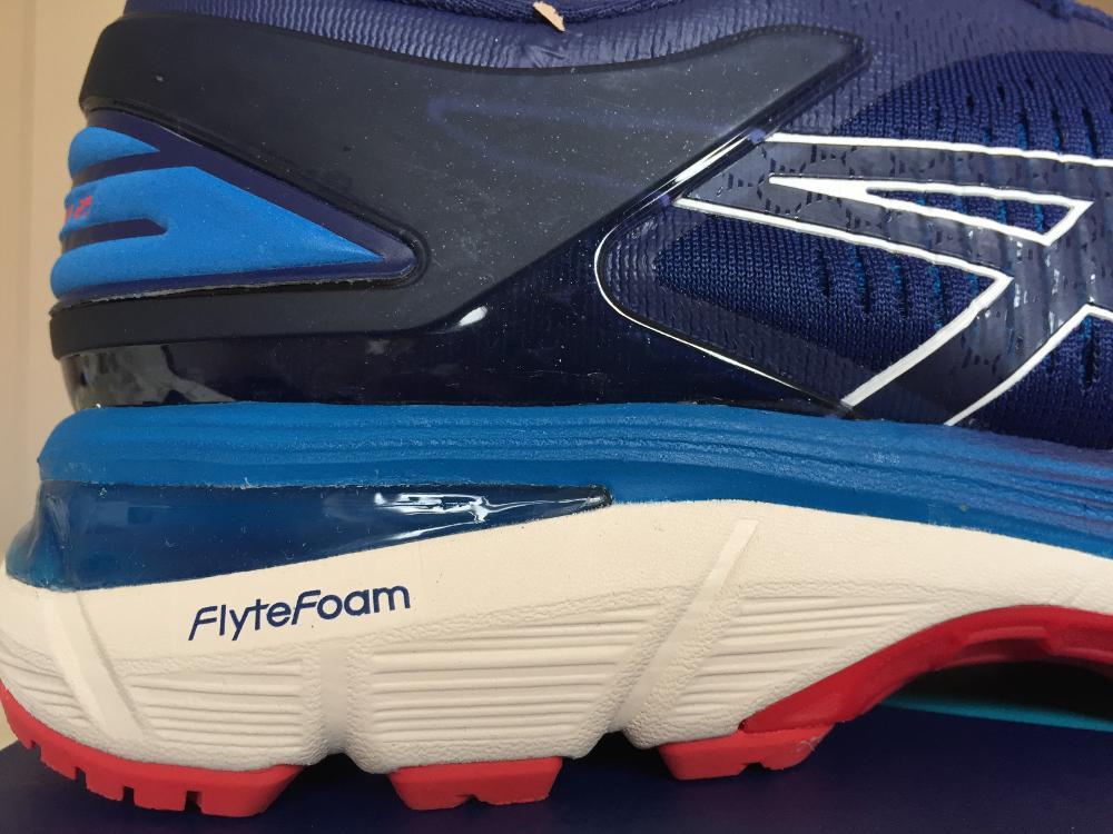 пена FlyteFoam Lyte на пятке