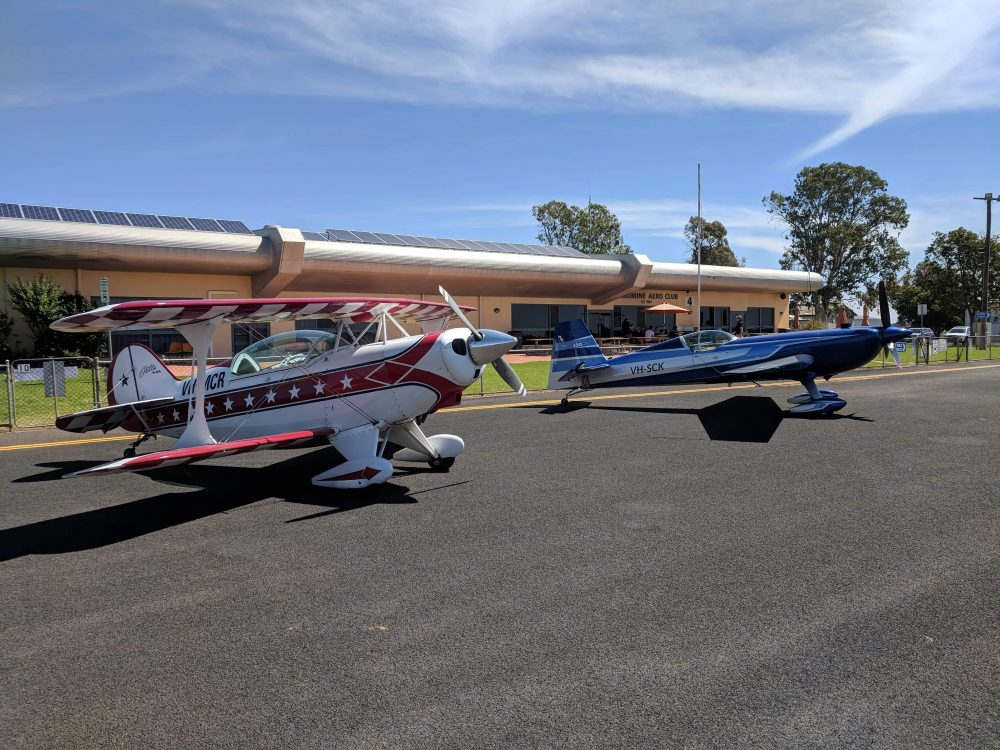 AAA Pitts Special and Extra 330SC