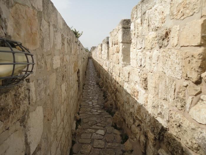 טיול מזמר חומות ושערי ירושלים
