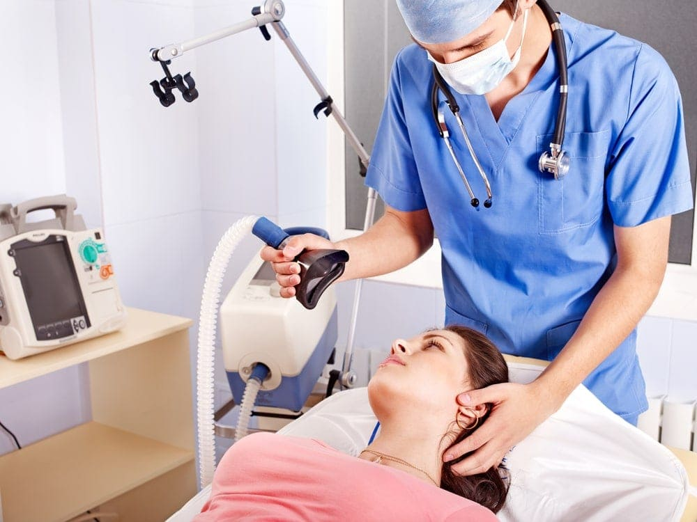 Image of pregnant woman taking general anesthesia