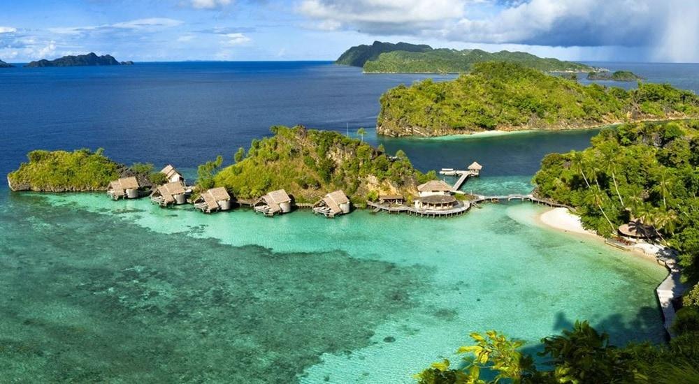diving in misool island