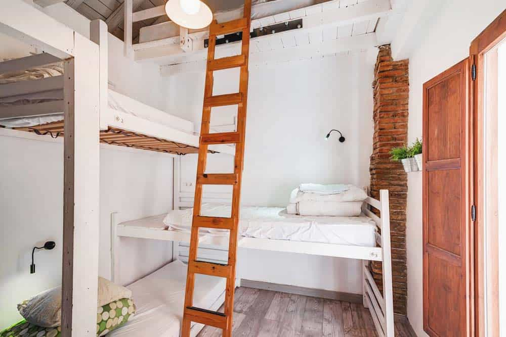 Makuto hostel, backpacker hostel vibes in Granada, Spain