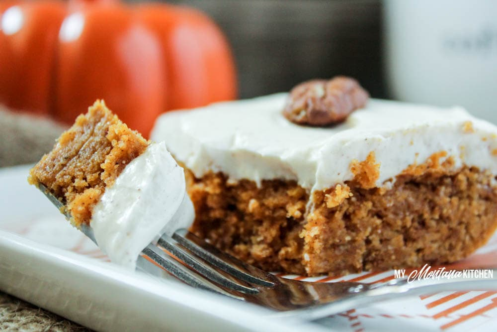 Pumpkin Bars with Cinnamon Cream Cheese Frosting (Low Carb, Sugar Free, THM-S) #pumpkin #pumpkinbars #sugarfree #lowcarb #thm #trimhealthymama
