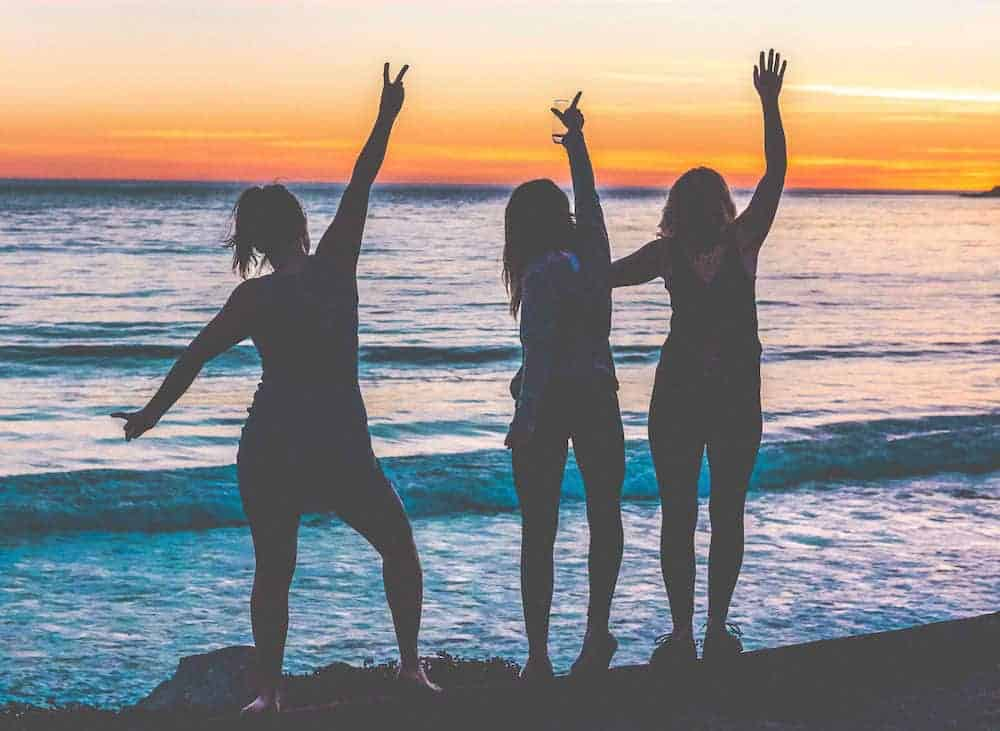 women only travel groups