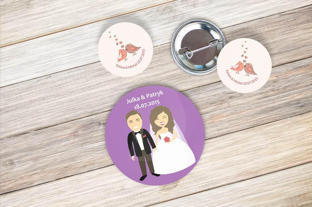 Przypinki dla gości weselnych