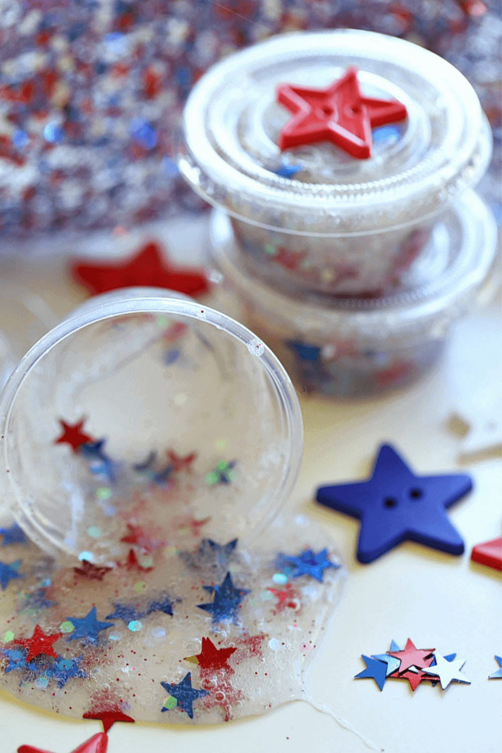 Looking for a fun red, white and blue craft idea to keep the kids busy at your July Fourth Celebration?This Patriotic Party Slime makes the perfect party favor. #slimerecipe #slime #4thofjulycraft