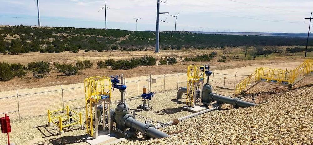 Erectastep Work Platforms to Access Valves at a Midstream Terminal