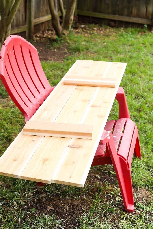 Building cedar shelves