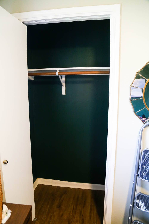 how to build DIY closet shelves