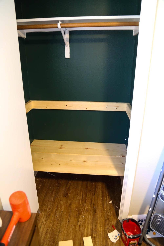 building DIY closet shelves