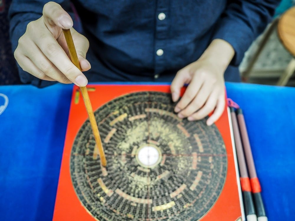 I Ching divination board