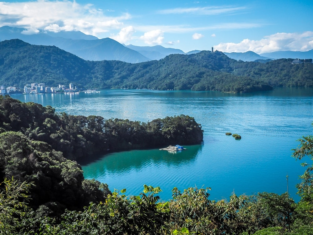 Gorgeous views while cycling Sun Moon Lake