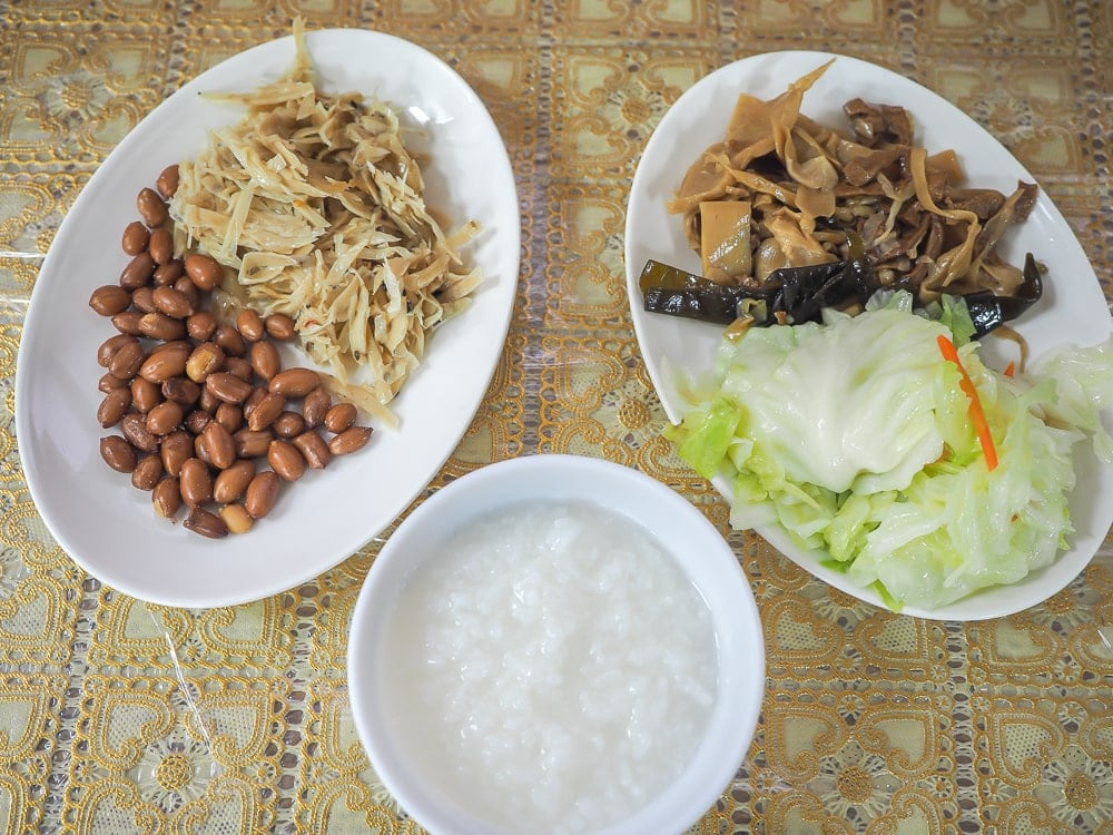 Vegetarian meal at Quanhua Temple, Lions Head Mountain