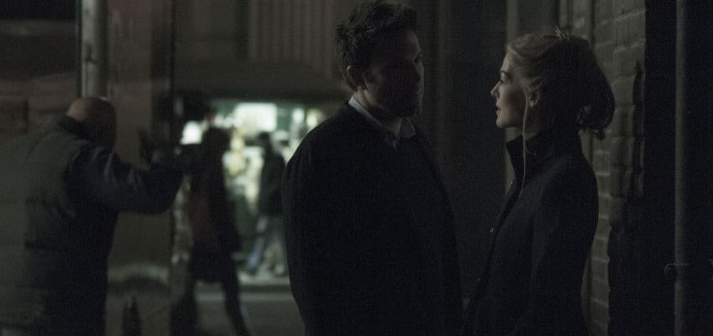 Le premier baiser de Ben Affleck et Rosamund Pike dans Gone Girl