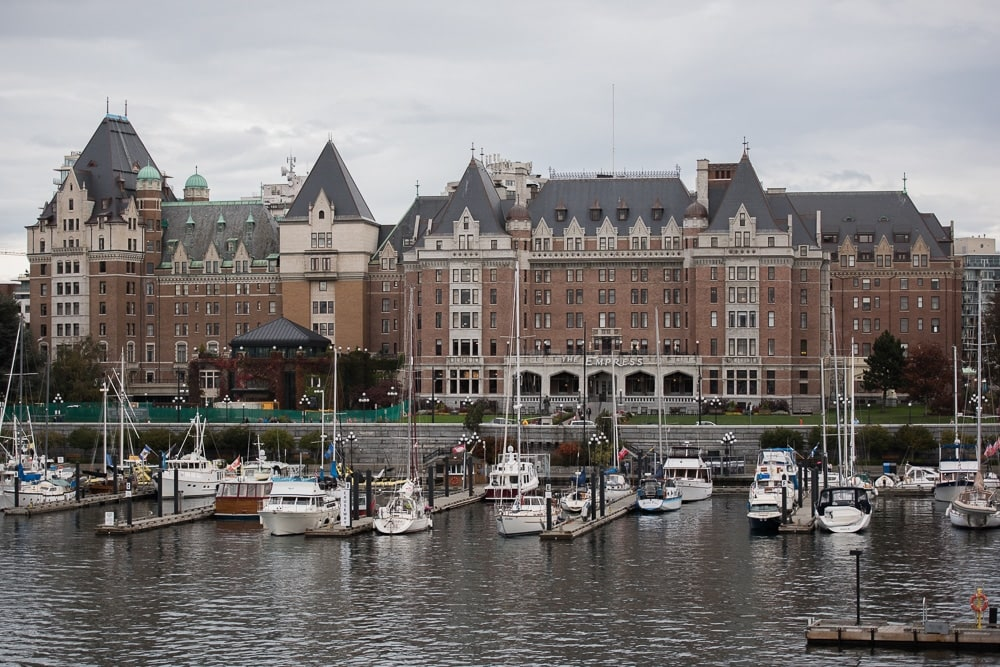 The marina and Parliament building in Victoria, British Columbia