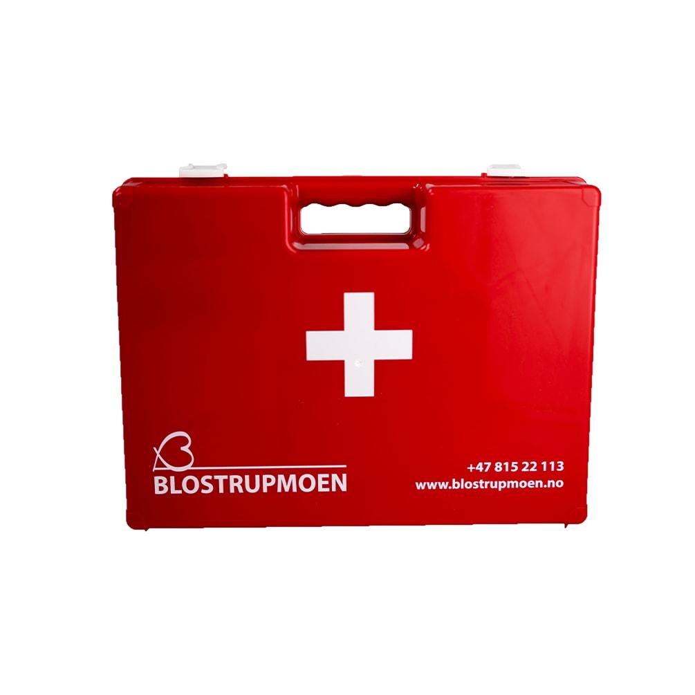 Rød førstehjelpskoffert fra Blostrupmoen