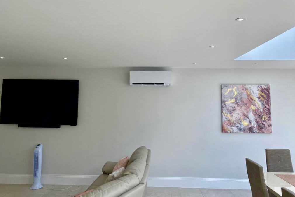 Mitsubishi electric zen air conditioning installation in Staines domestic extensions