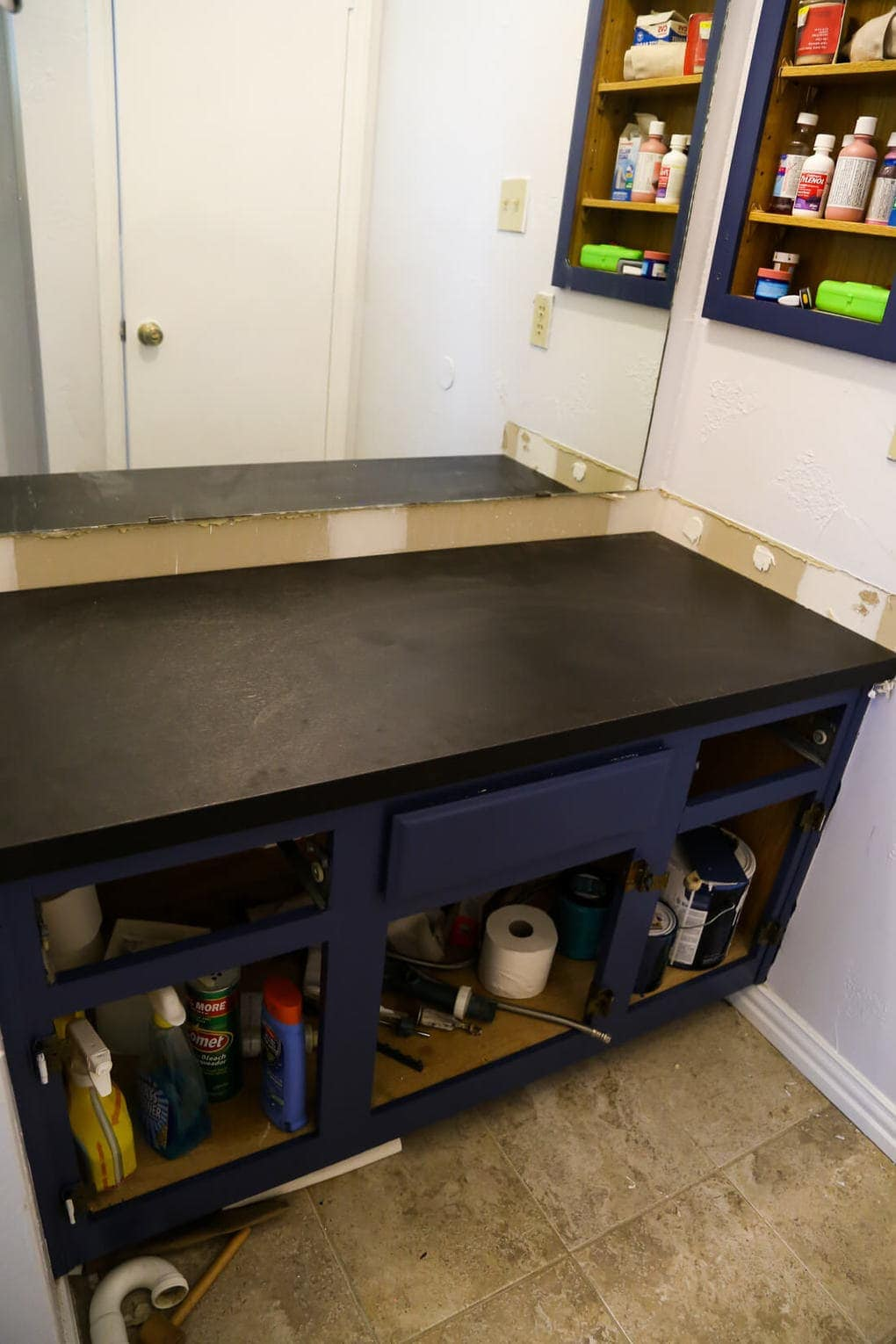 How to replace an ugly bathroom counter - it's quick, easy, and surprisingly affordable! Easy, budget-friendly option for getting a new counter in your bathroom without calling in a pro.