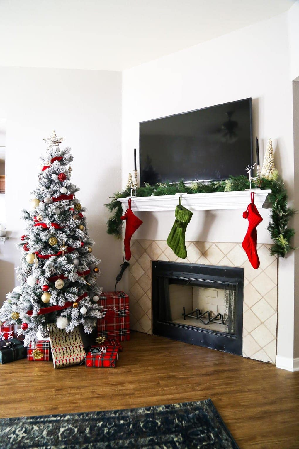 Christmas home tour - a look at our new home all decked out for Christmas