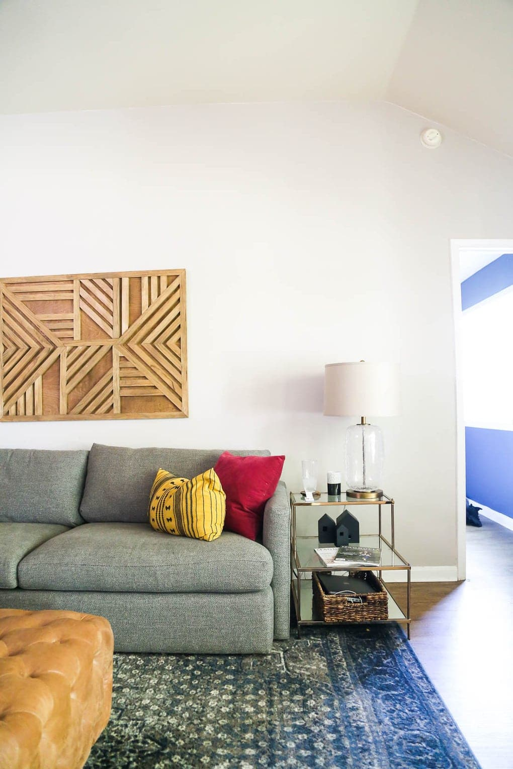 Getting the right size furniture - tips for how to decorate a living room