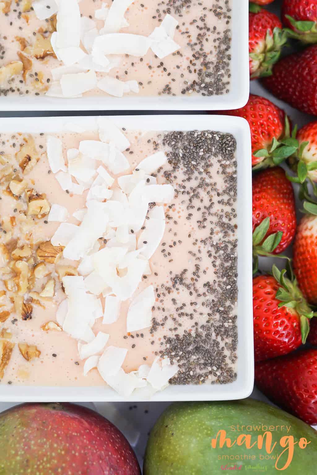 Strawberry Mango Smoothie Bowl - this delicious mango strawberry smoothie bowl is so easy to make