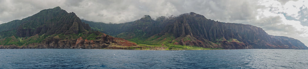 panoramic landscape photo of napali coast in Kauai