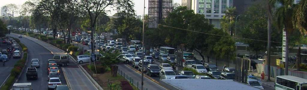 A traffic jam in the Kuningan area of Jakarta, Indonesia. (Image Credit: Serenity/Wikimedia Commons)