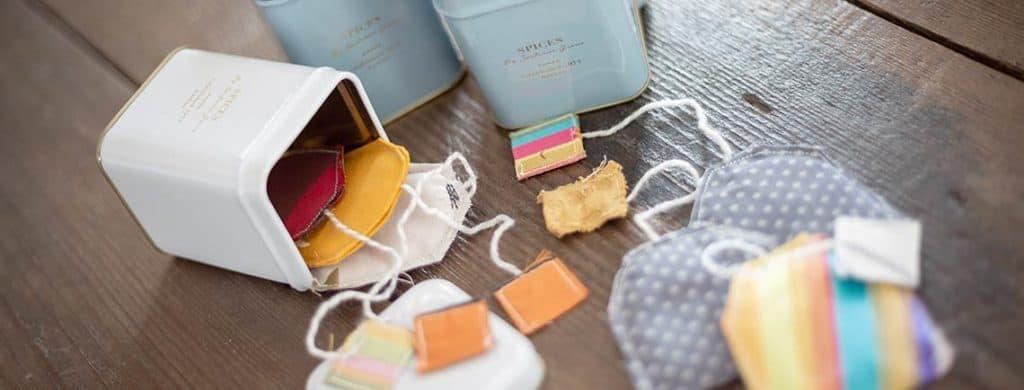 Nähe dir Tee-Beutel für deinen Marktstand oder Kaufmannsladen