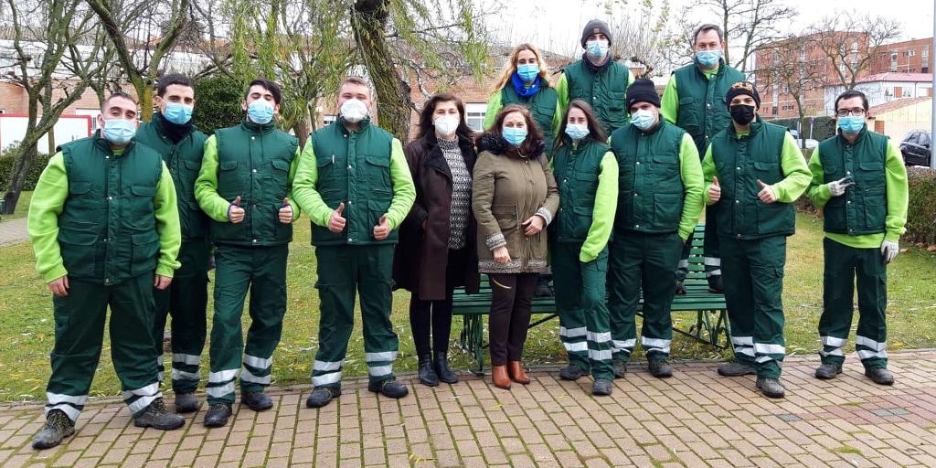 Una decena de jóvenes se forman en el programa de empleo «Peñaranda zona verde»