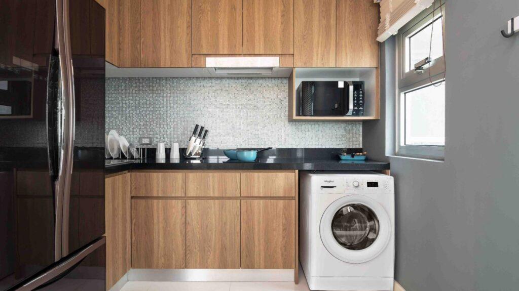 маленькие угловые кухни стиральной машиной