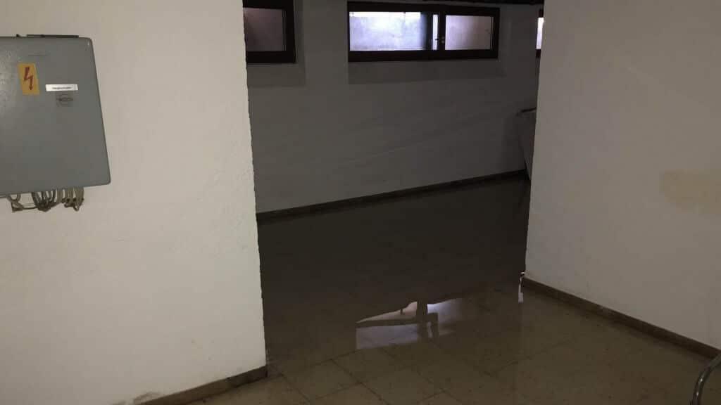 Feuchtigkeit im Keller - stehendes Wasser