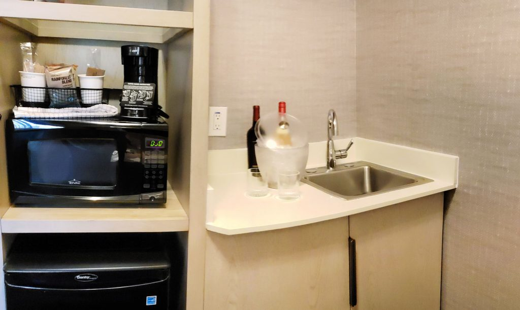 microwave, coffee station, wet bar and mini fridge are part of what makes this one of the best hotels in Prescott, AZ