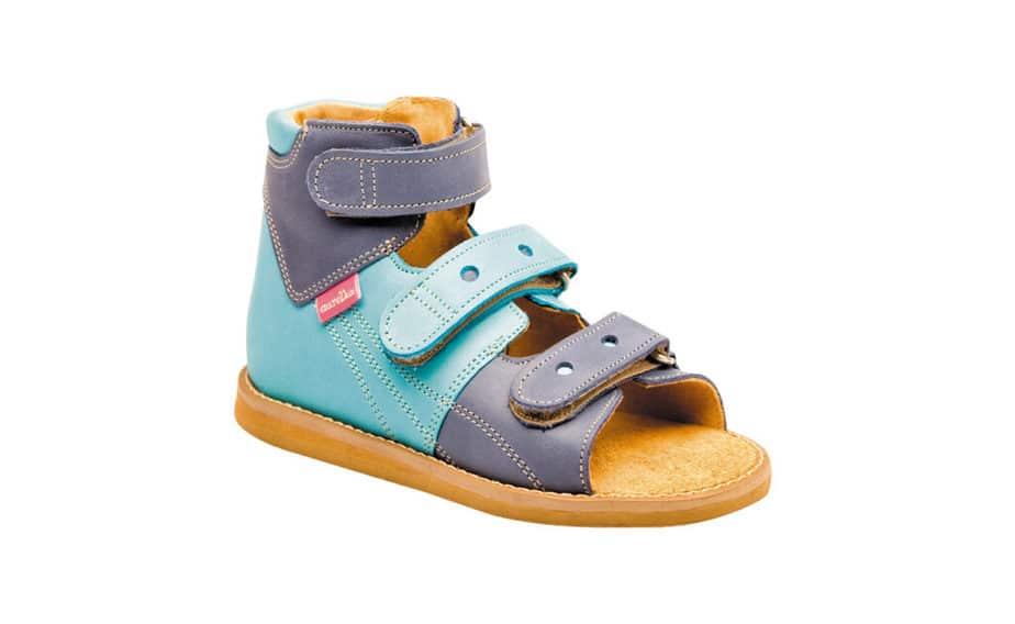 Orthopedic shoes for flat soles.