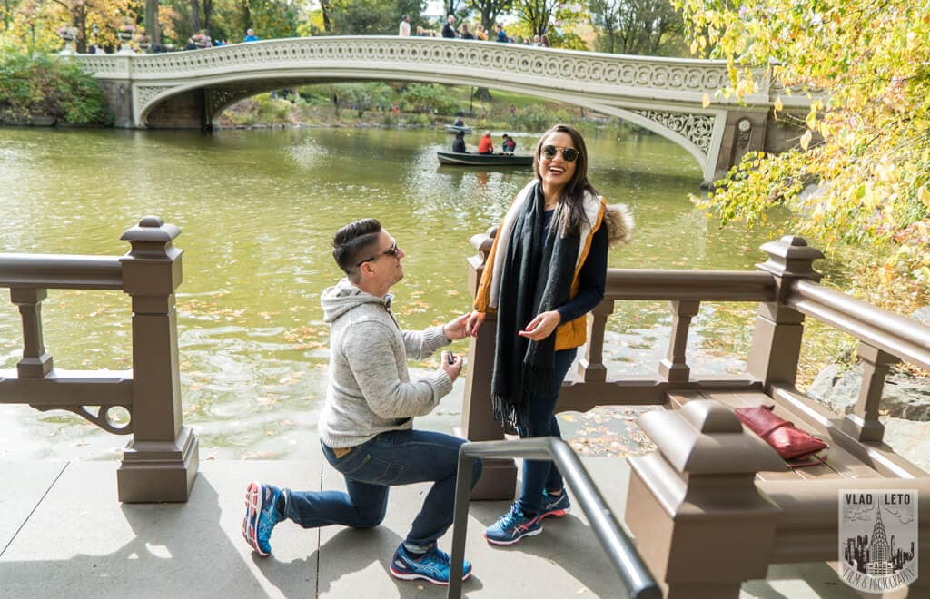Photo Bow Bridge view surprise proposal | VladLeto
