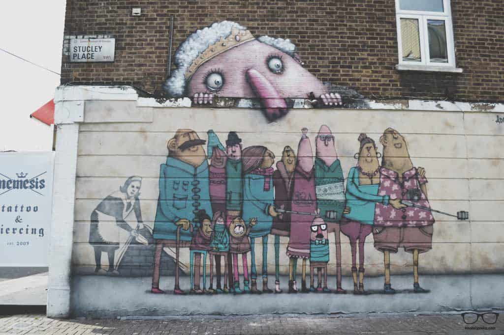 Join a street art tour in London