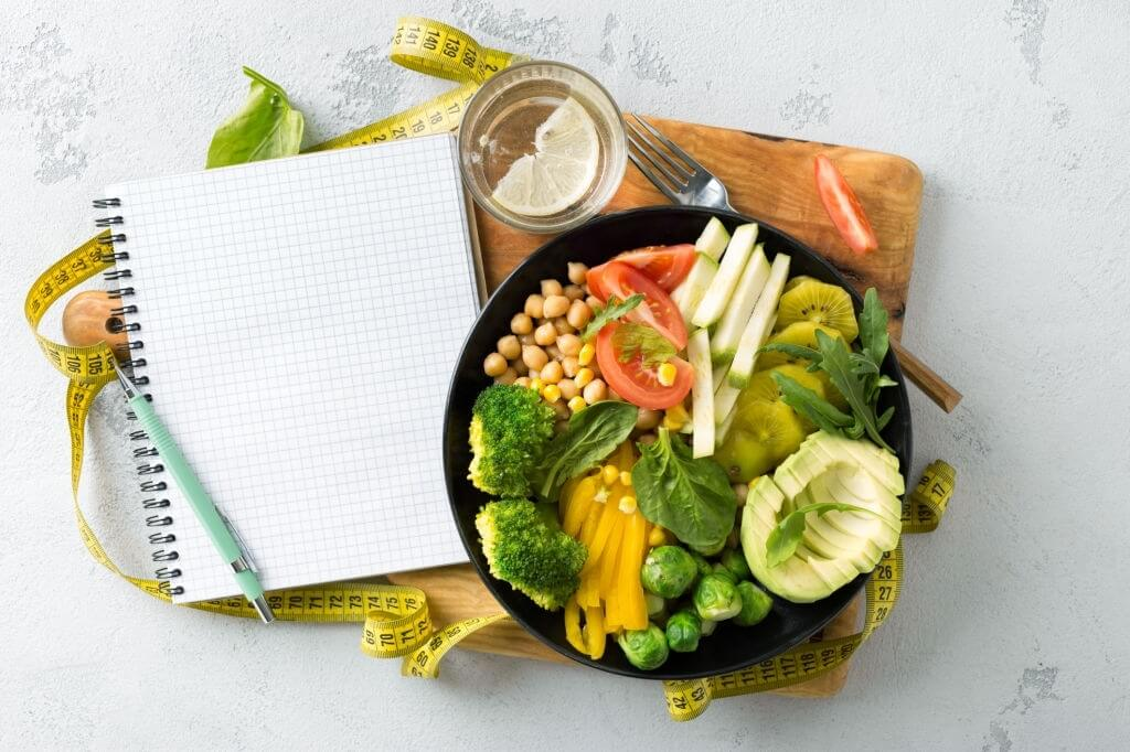 Working with a Dietitian Nutritionist - 5 Perks of Professional Help